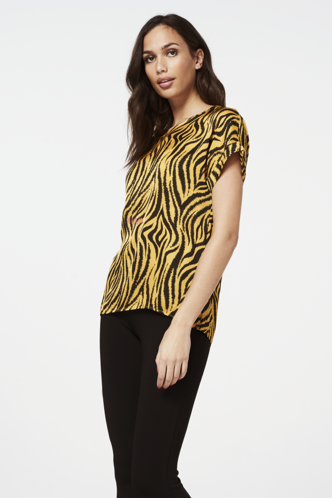 Merle animal top yellow